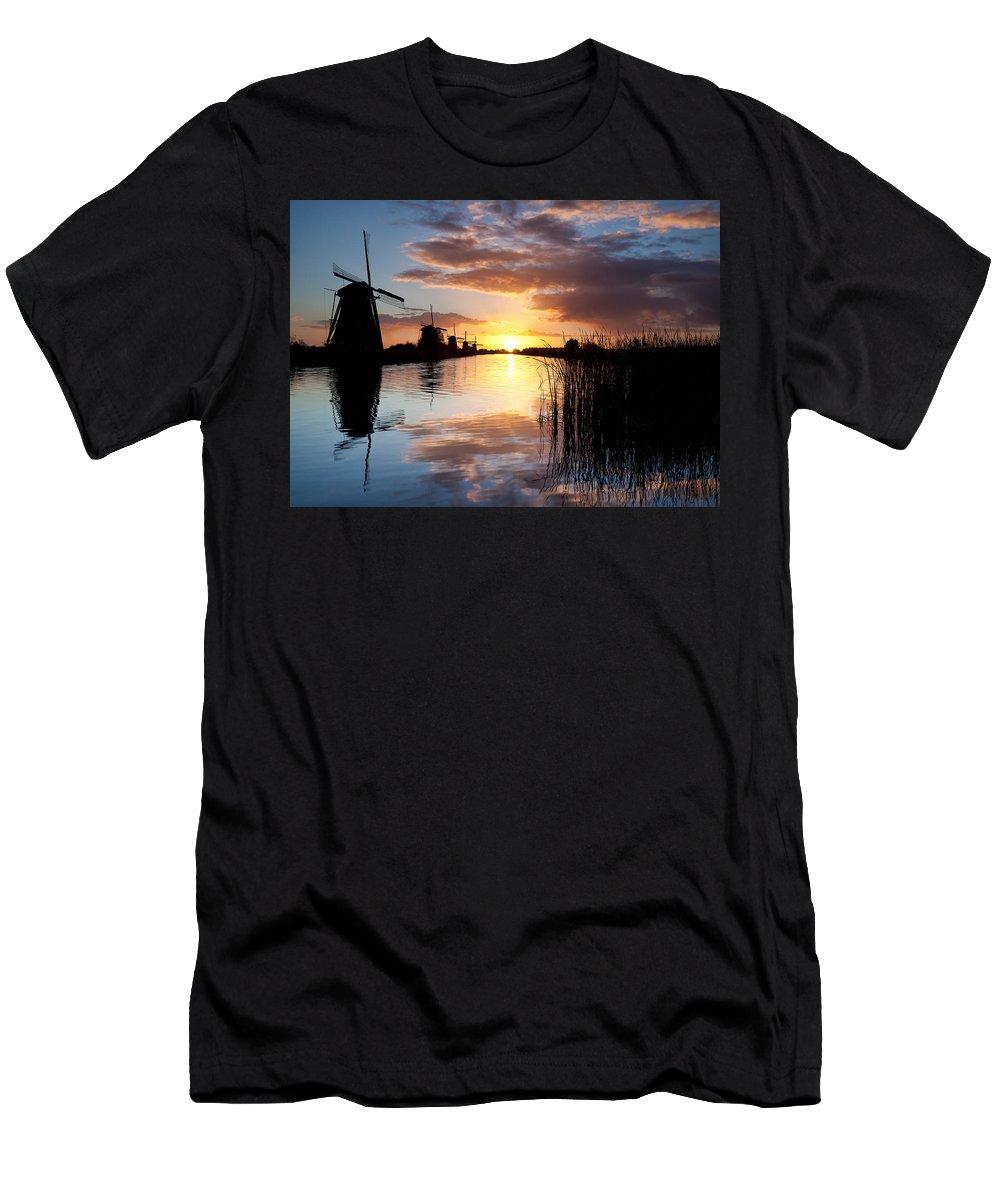 Kinderdijk Men's T-Shirt (Athletic Fit) featuring the photograph Kinderdijk Sunrise by Dave Bowman