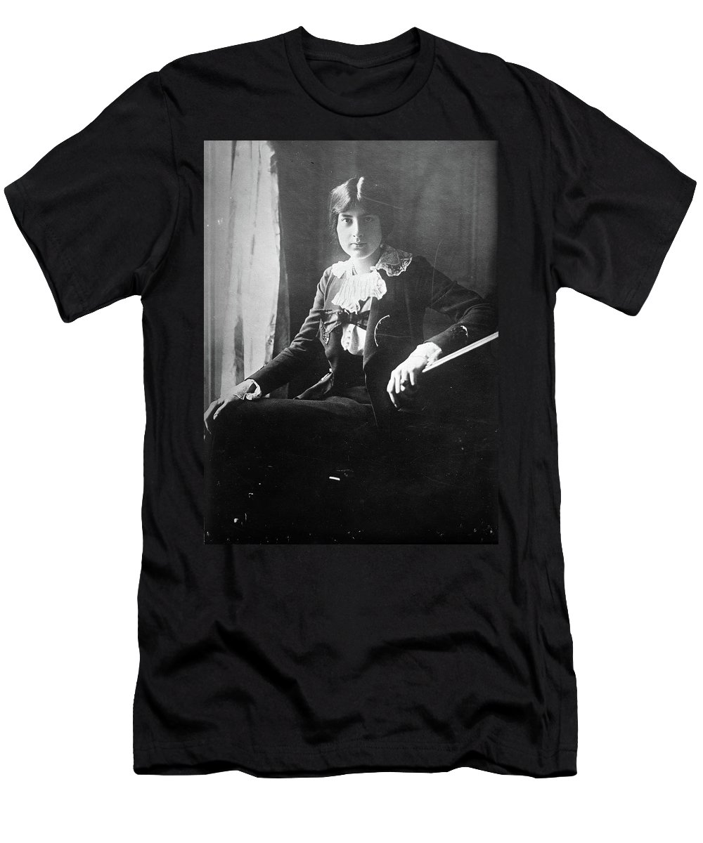 1918 T-Shirt featuring the photograph Lili Boulanger (1893-1918) by Granger