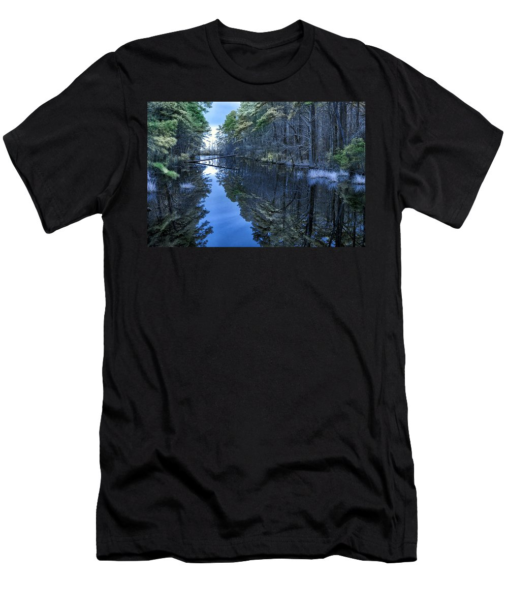 Swan Quarter Men's T-Shirt (Athletic Fit) featuring the photograph Lone Tree by Cindy Archbell