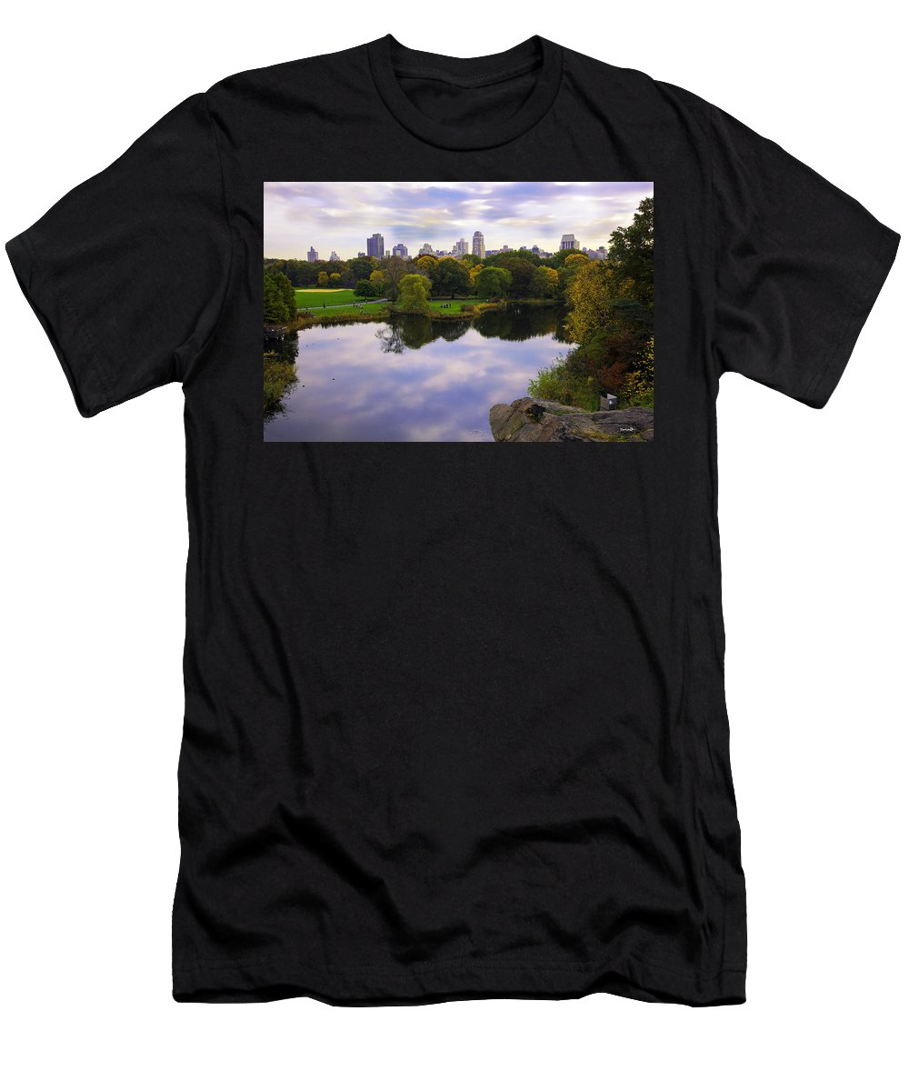 Pond Men's T-Shirt (Athletic Fit) featuring the photograph Magical 2 - Central Park - Nyc by Madeline Ellis