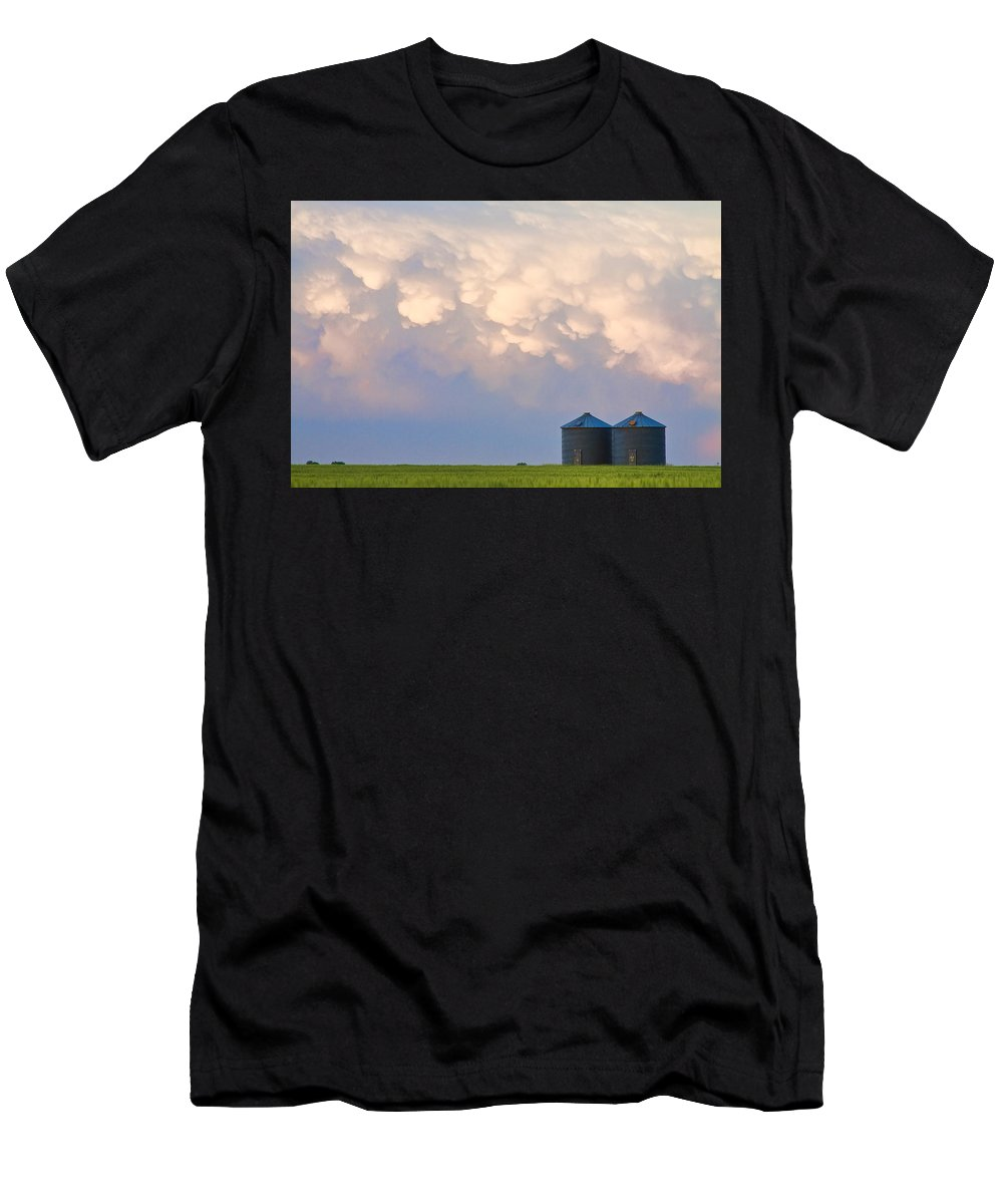 Mammatus Men's T-Shirt (Athletic Fit) featuring the photograph Mammatus Country Landscape by James BO Insogna