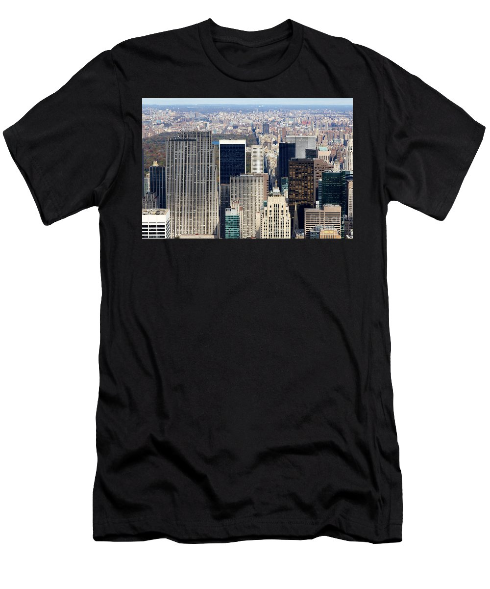 4th Avenue Men's T-Shirt (Athletic Fit) featuring the photograph Manhattan View Uptown by Jannis Werner