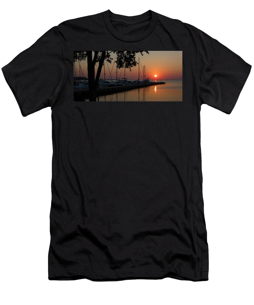 Sunset Men's T-Shirt (Athletic Fit) featuring the photograph Marina Sunset by David T Wilkinson