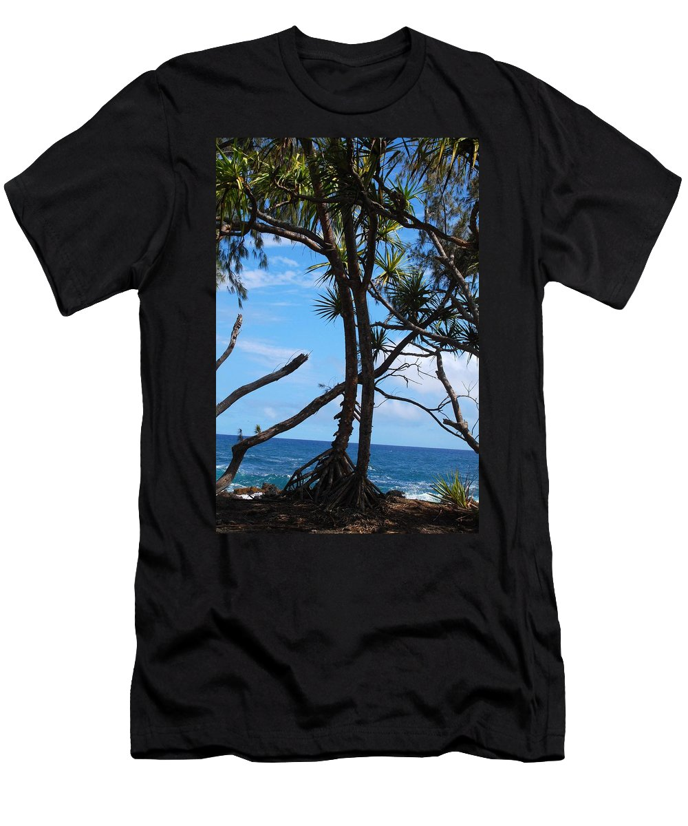 Maui Men's T-Shirt (Athletic Fit) featuring the photograph Maui Tree Silhouette by Amy Fose