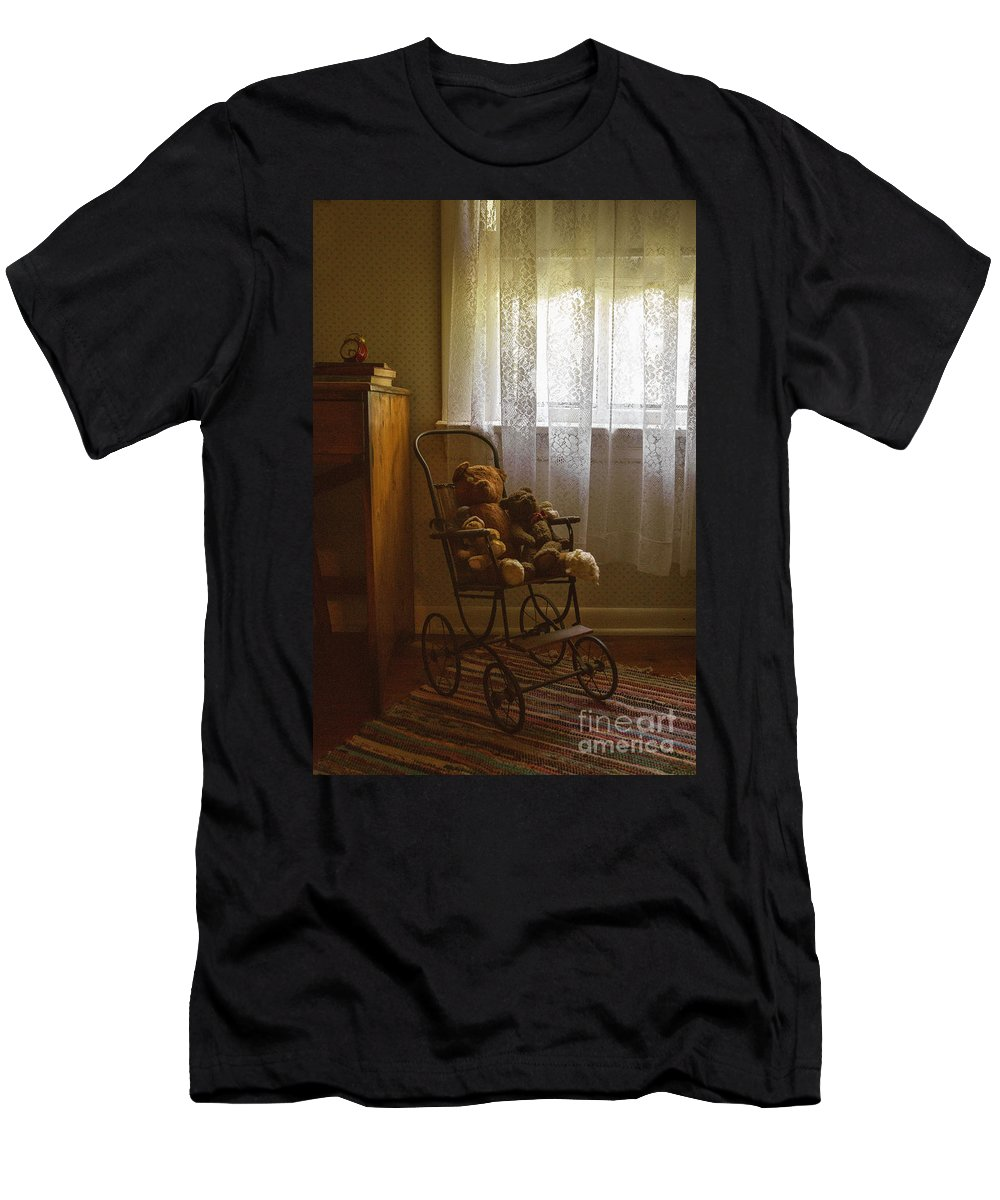 Room Men's T-Shirt (Athletic Fit) featuring the photograph Memories by Margie Hurwich