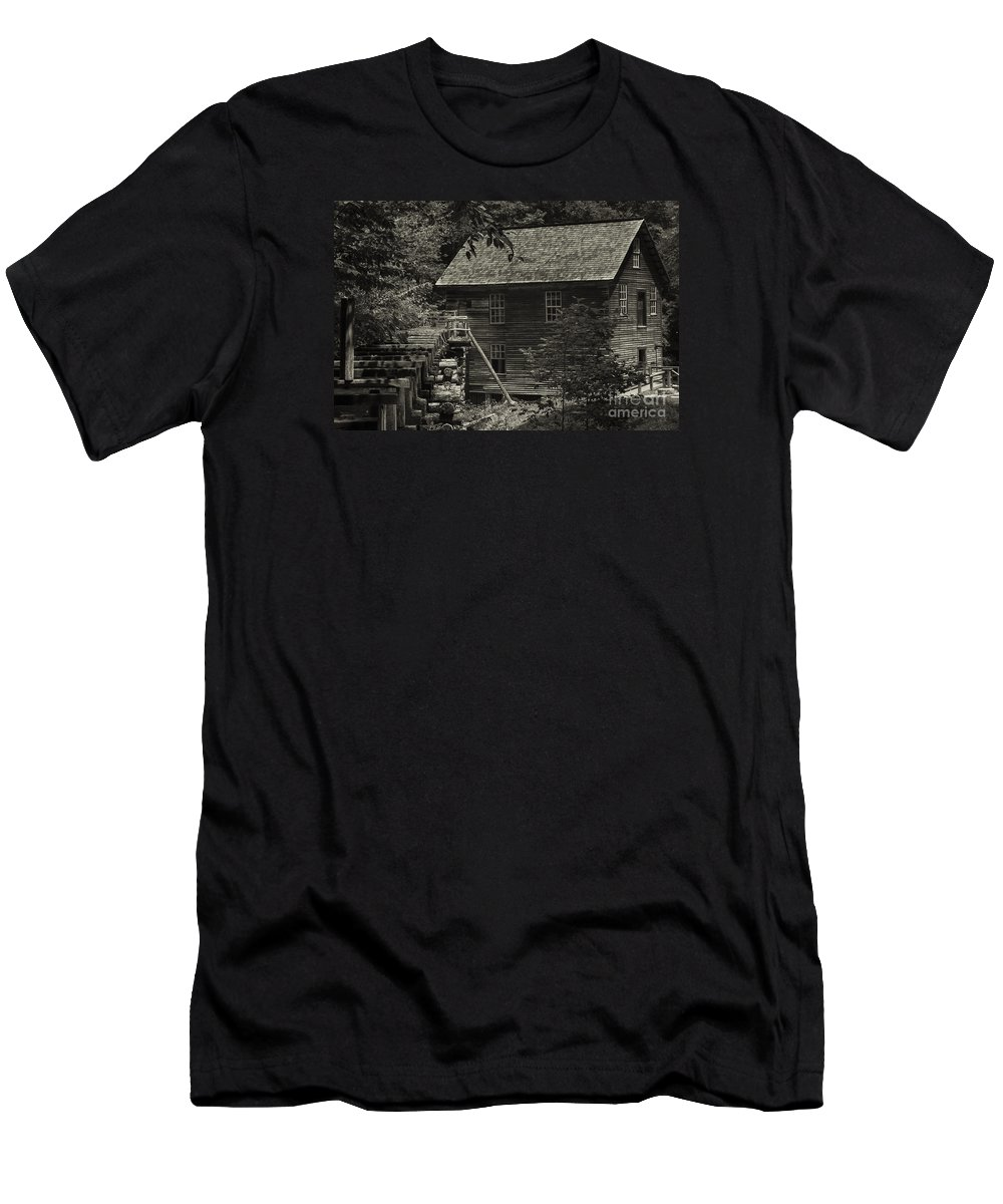 Mill Men's T-Shirt (Athletic Fit) featuring the digital art Smoky's Mingus Mill by Gary Rieks