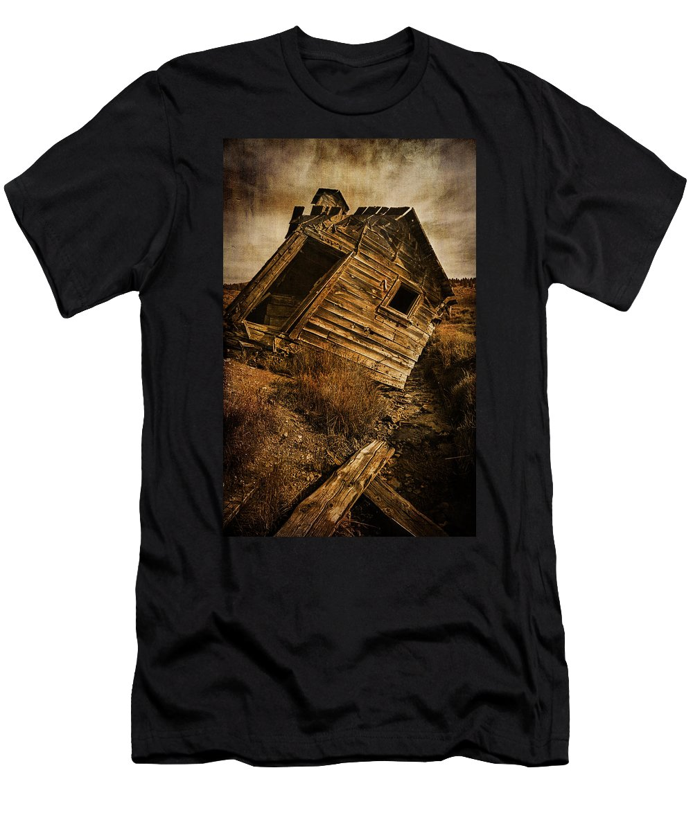 Abandoned Men's T-Shirt (Athletic Fit) featuring the photograph Quartz Mountain 8 by YoPedro