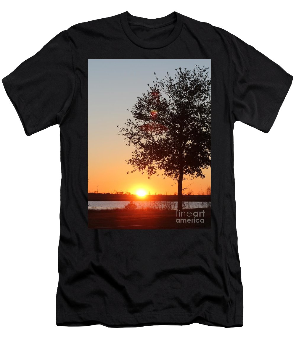Mississippi Men's T-Shirt (Athletic Fit) featuring the photograph Mississippi Sunset 7 by Michelle Powell