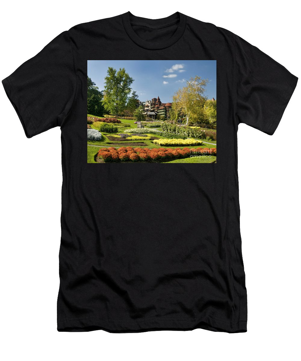 Garden Men's T-Shirt (Athletic Fit) featuring the photograph Mohonk Gardens by Claudia Kuhn