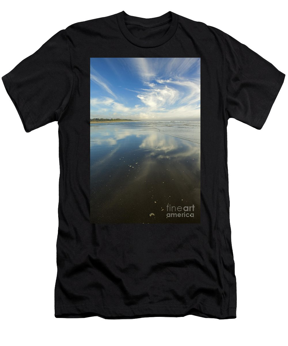 Cirrus Men's T-Shirt (Athletic Fit) featuring the photograph Moonstone Beach Reflections by Mike Dawson