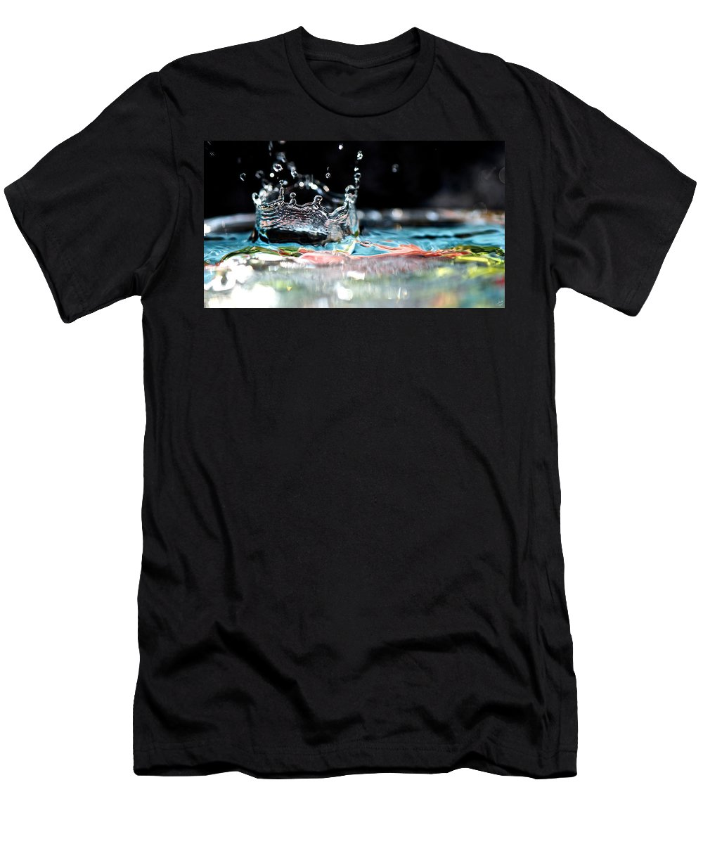 Bokeh Men's T-Shirt (Athletic Fit) featuring the photograph Neptune's Crown by Lisa Knechtel
