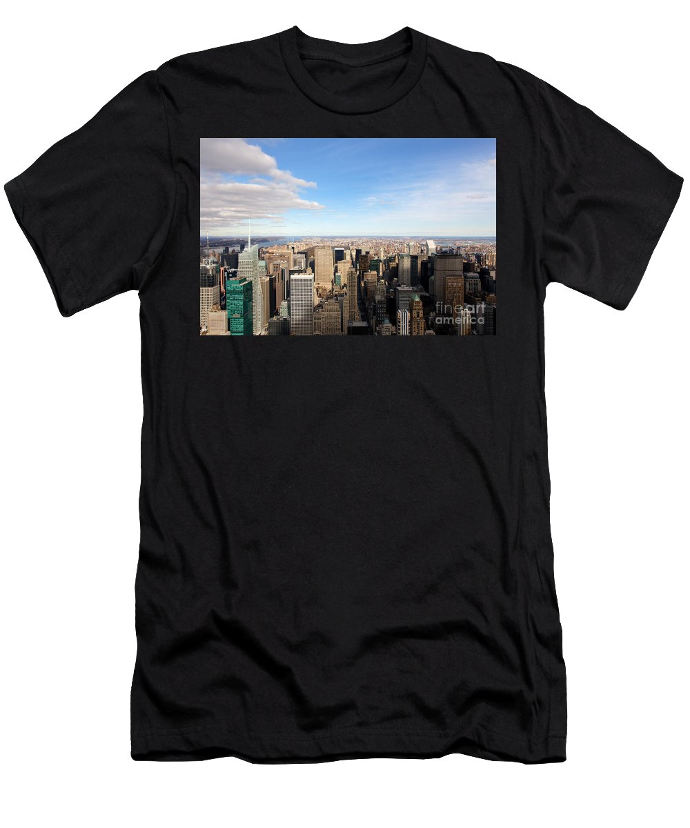4th Avenue Men's T-Shirt (Athletic Fit) featuring the photograph New York City View by Jannis Werner