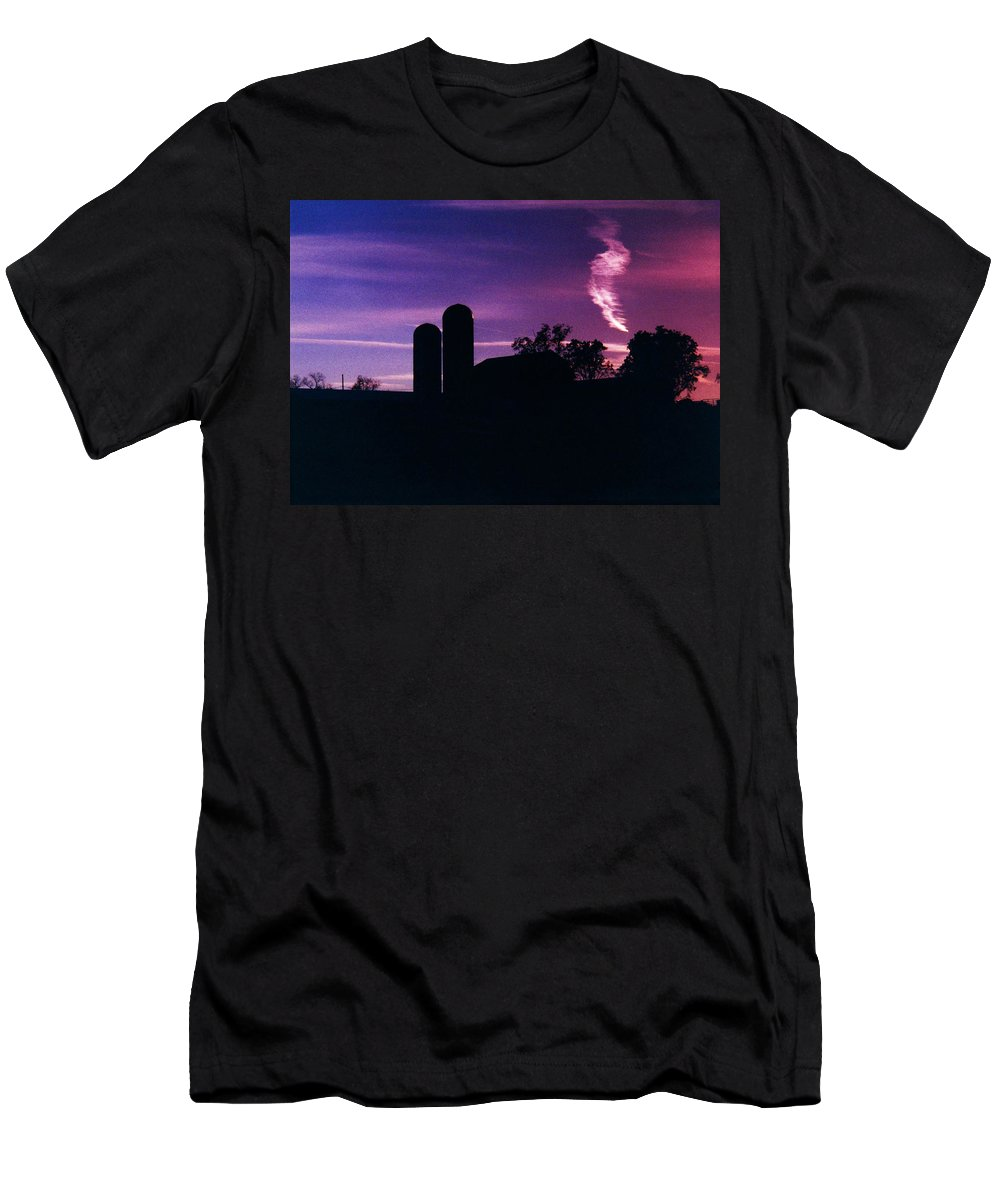 Landscape Men's T-Shirt (Athletic Fit) featuring the photograph New York Farm by Glenn Scano
