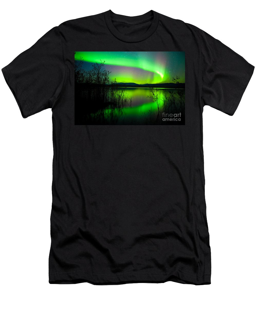 Canada Men's T-Shirt (Athletic Fit) featuring the photograph Northern Lights Mirrored On Lake by Stephan Pietzko