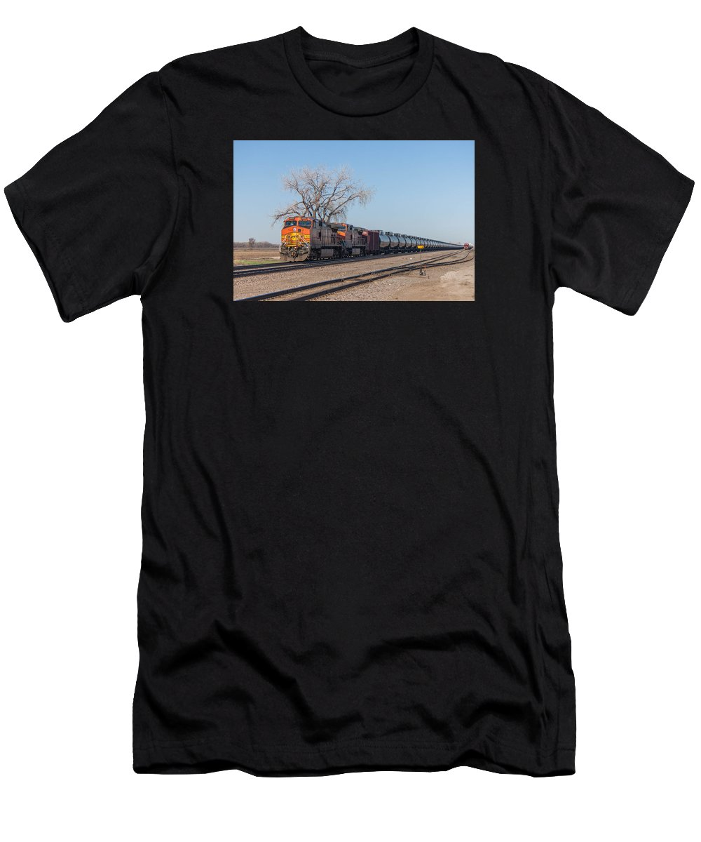 Bnsf Men's T-Shirt (Athletic Fit) featuring the photograph Bnsf Oil Train In Dilworth Minnesota by Steve Boyko