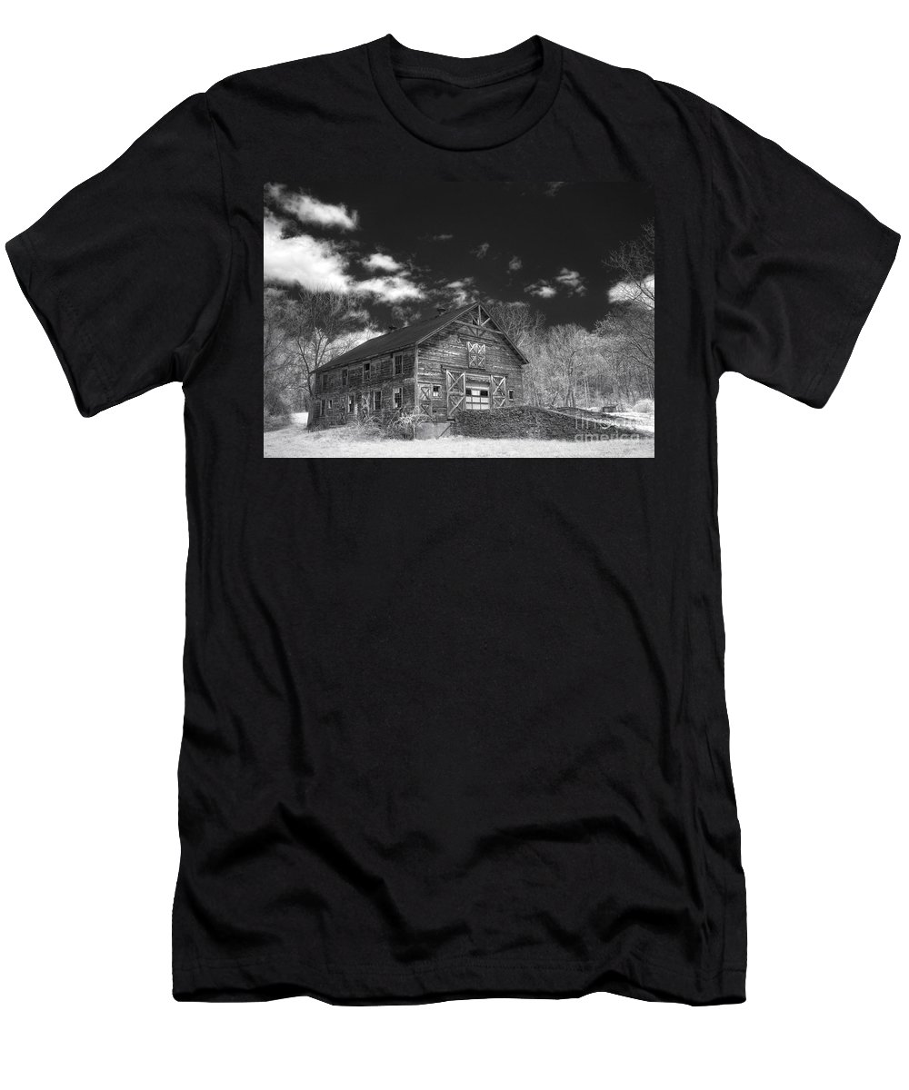Barn. Ir Men's T-Shirt (Athletic Fit) featuring the photograph Old Barn by Claudia Kuhn
