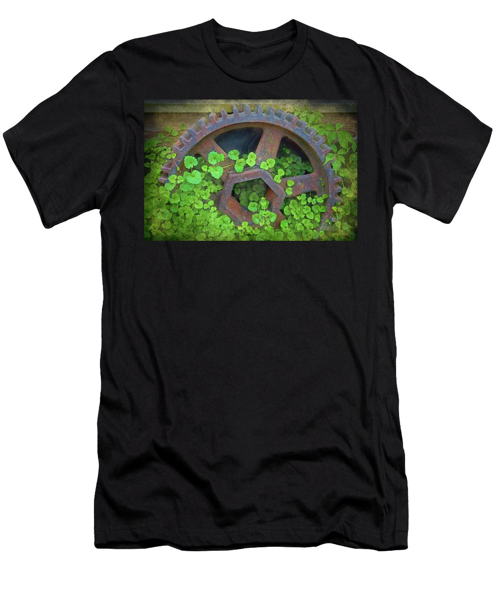 Old Mill Of Guilford Grinding Gear Men's T-Shirt (Athletic Fit) featuring the photograph Old Mill Of Guiford Grinding Gear by Sandi OReilly