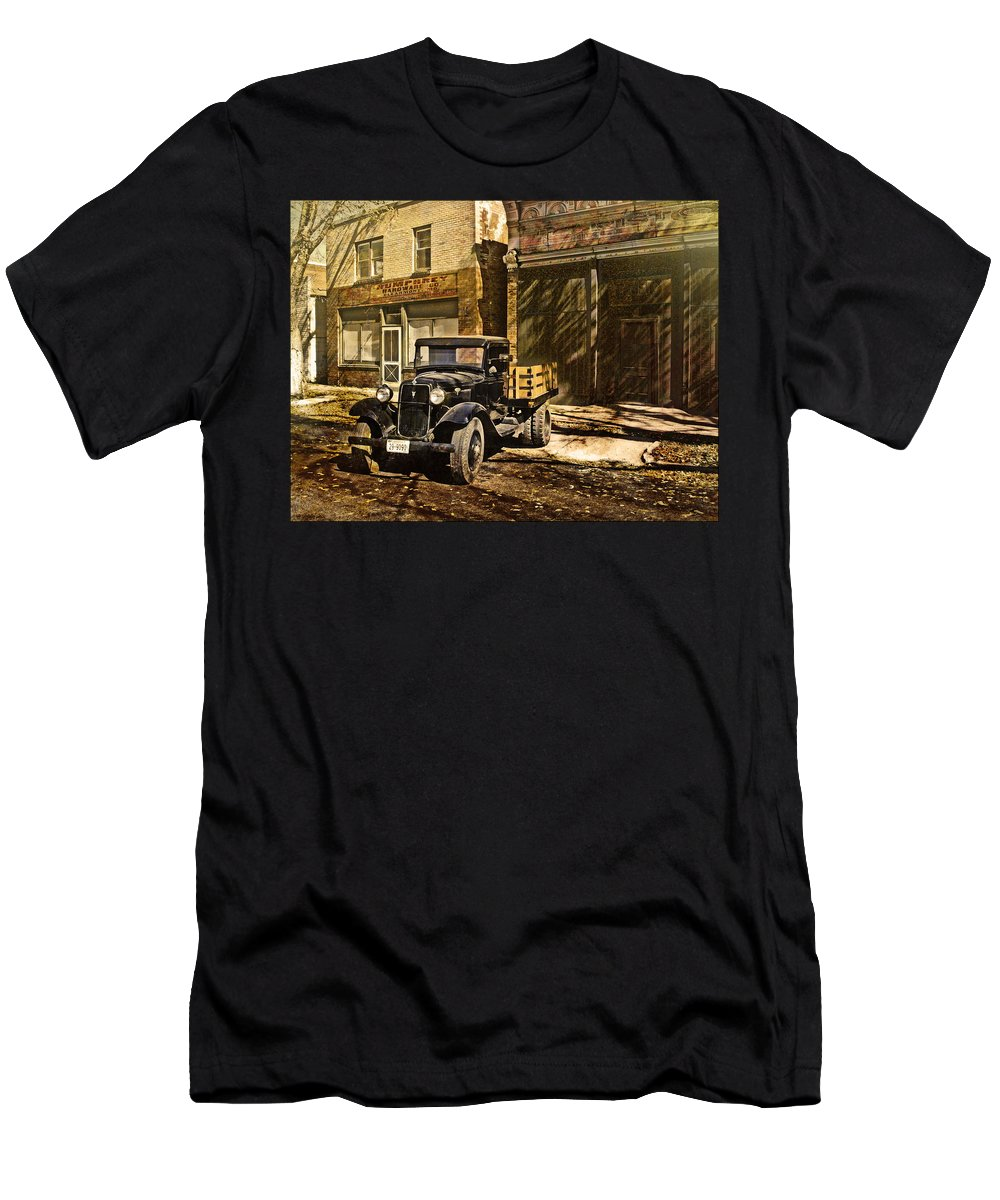 Old Towns Men's T-Shirt (Athletic Fit) featuring the photograph On Main Street by John Anderson