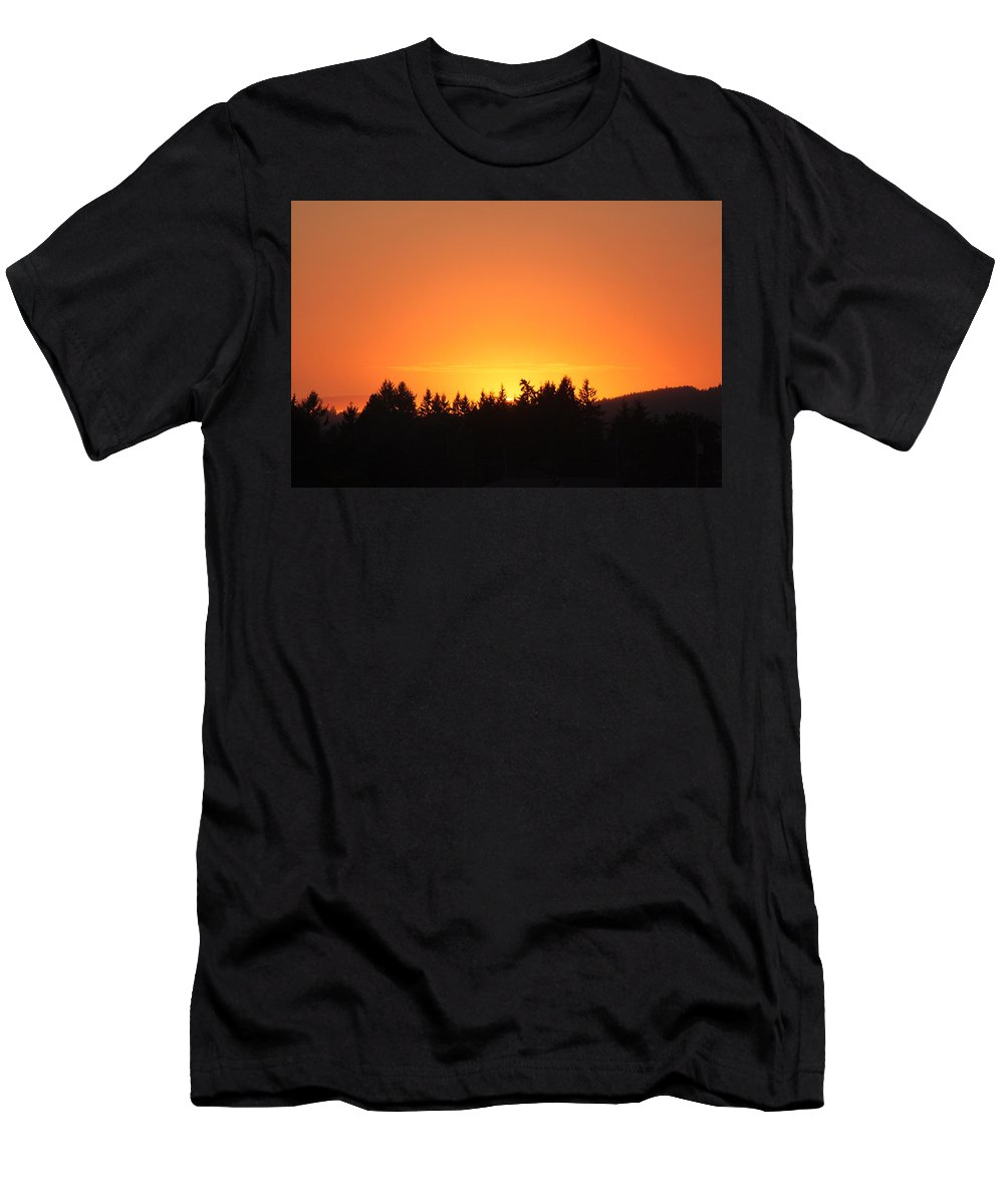 Sunset Men's T-Shirt (Athletic Fit) featuring the photograph Oregon Sunset by Melanie Lankford Photography