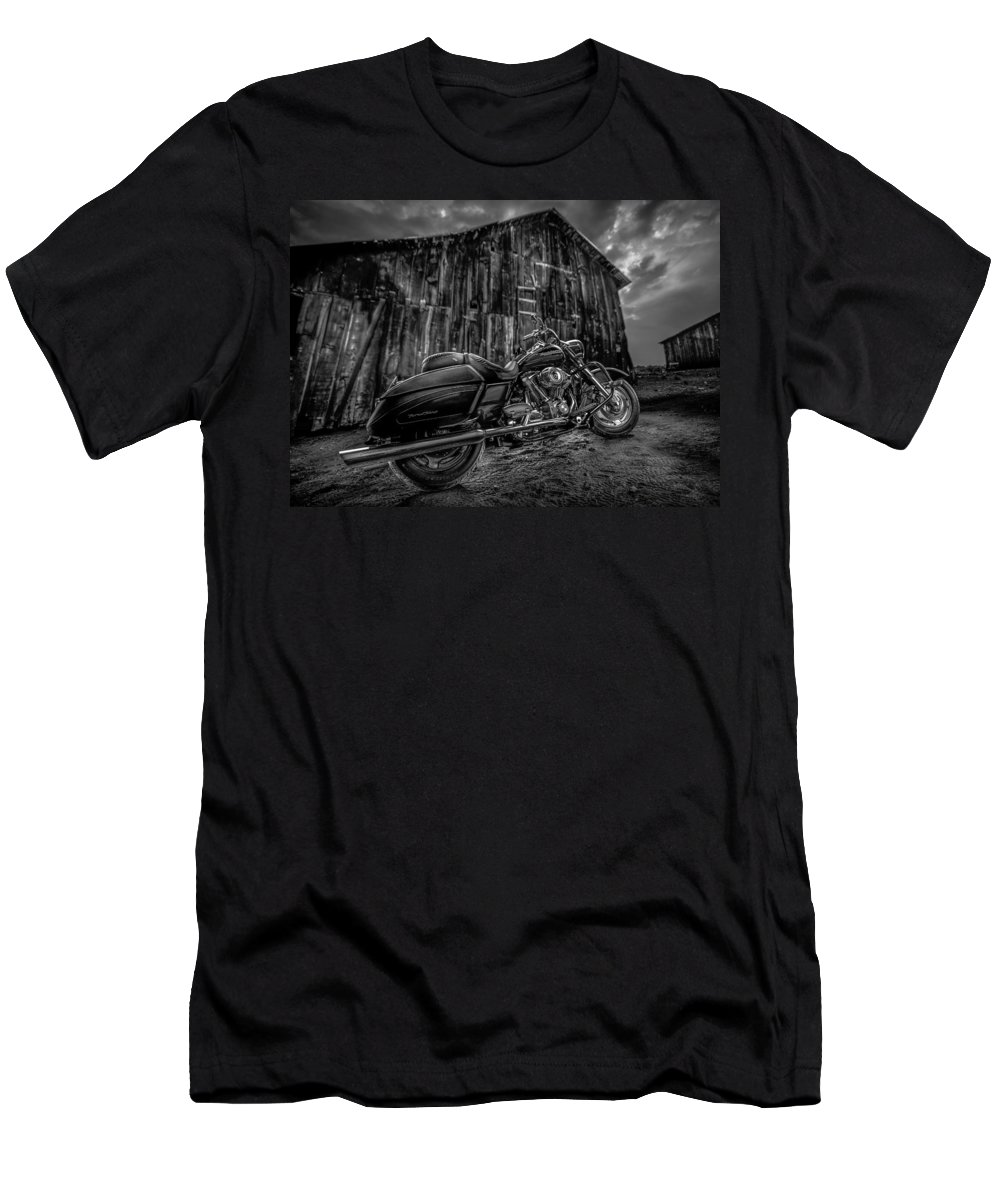 Davidson Men's T-Shirt (Athletic Fit) featuring the photograph Outside The Barn Bw by Yo Pedro