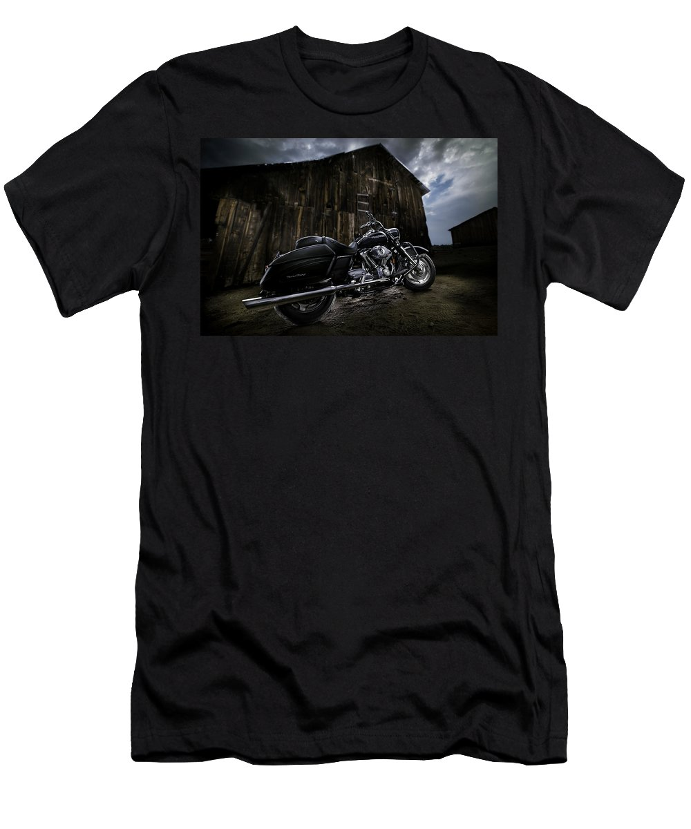 Harley Men's T-Shirt (Athletic Fit) featuring the photograph Outside The Barn by Yo Pedro