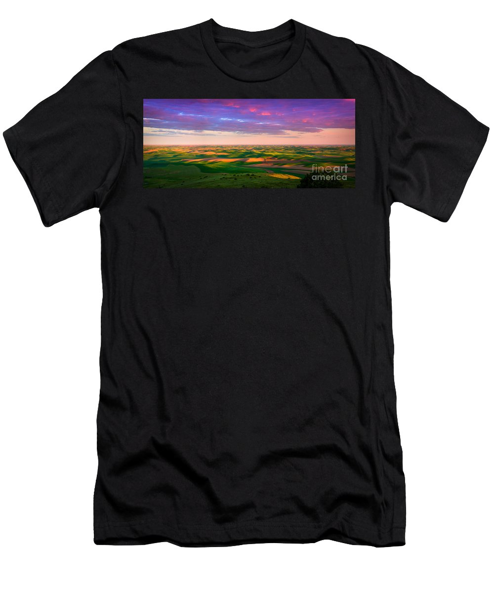 Agricultural Men's T-Shirt (Athletic Fit) featuring the photograph Palouse Land And Sky by Inge Johnsson