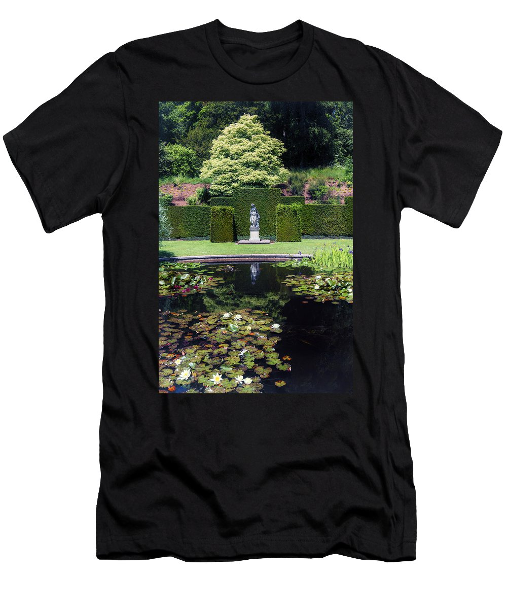 Pond Men's T-Shirt (Athletic Fit) featuring the photograph Park by Joana Kruse