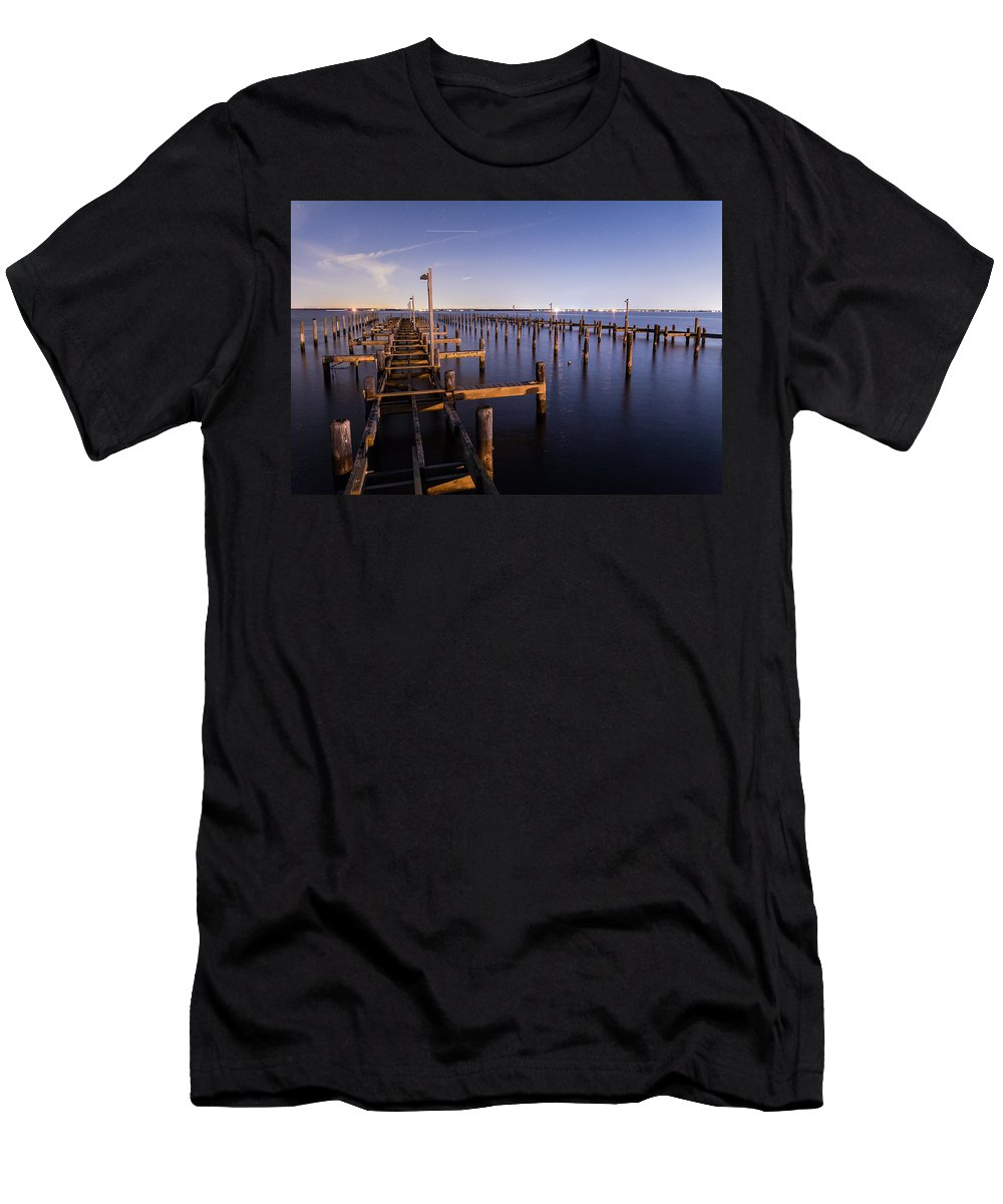 New Jersey Men's T-Shirt (Athletic Fit) featuring the photograph Parking For Miles by Kristopher Schoenleber