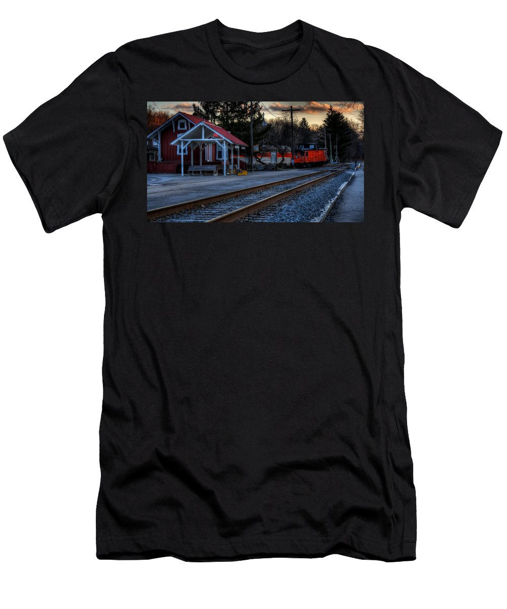 Train Men's T-Shirt (Athletic Fit) featuring the photograph Peninsula Ohio Railroad by David Dufresne