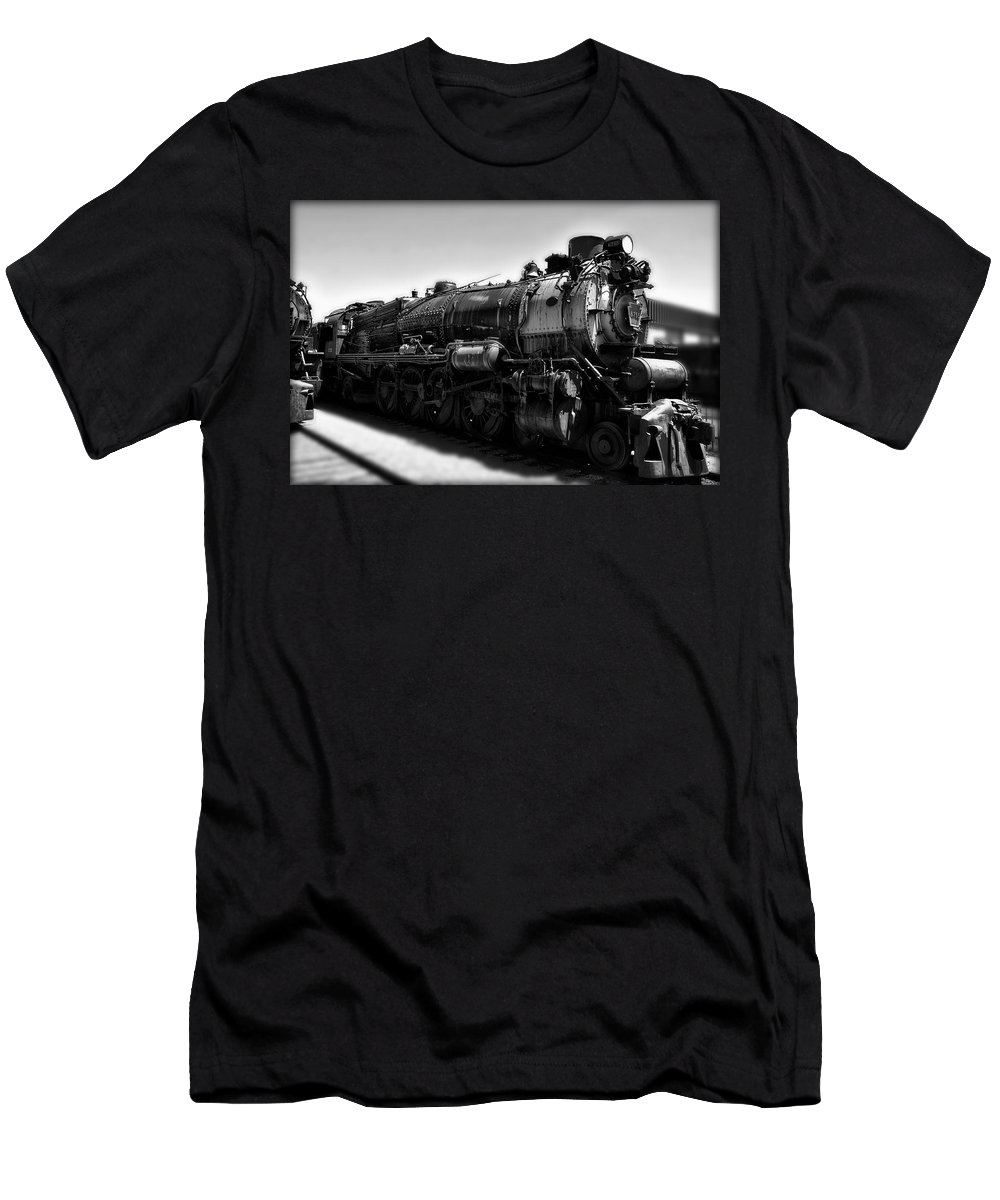 Rail Road Men's T-Shirt (Athletic Fit) featuring the photograph Pennsylvania Railroad 6755 by Bill Cannon