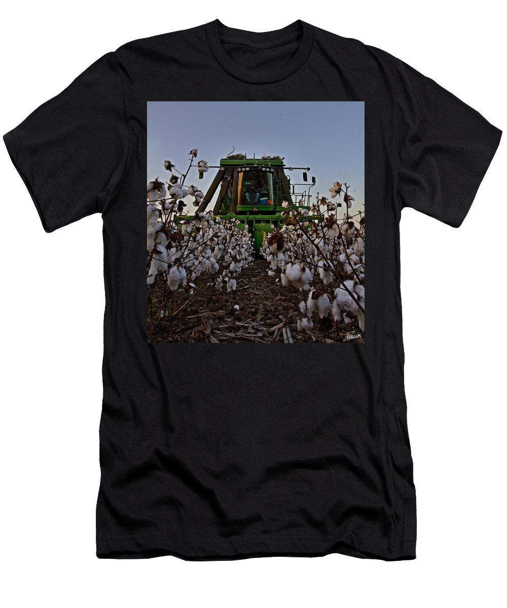 Ag Men's T-Shirt (Athletic Fit) featuring the photograph Picker Comin' by David Zarecor