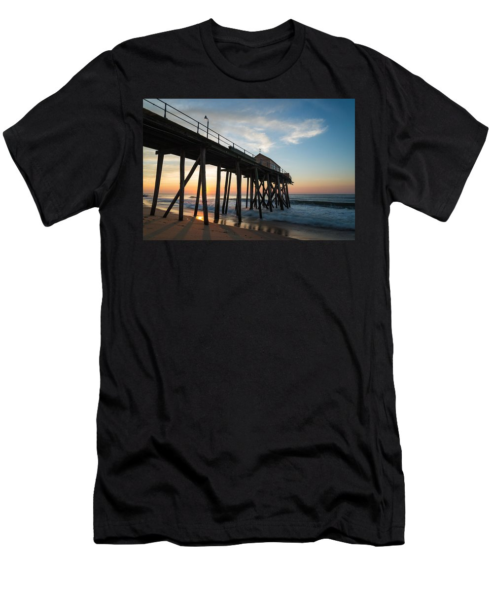 New Jersey Men's T-Shirt (Athletic Fit) featuring the photograph Pier Side by Kristopher Schoenleber