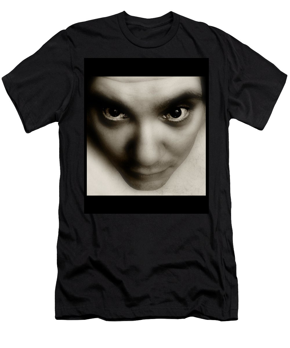 Face Men's T-Shirt (Athletic Fit) featuring the photograph Presence by Gene Tatroe