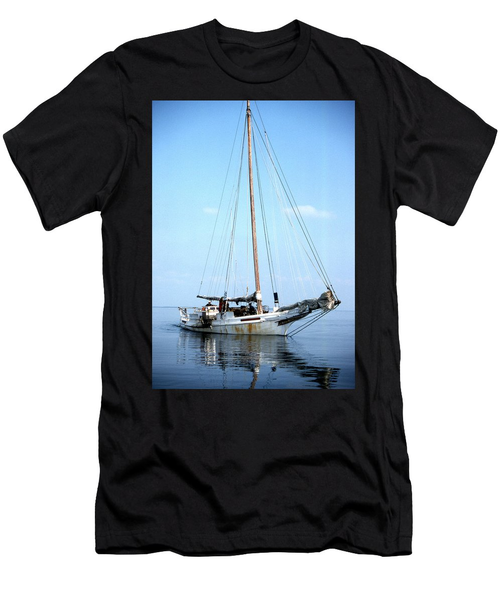 Skipjack Men's T-Shirt (Athletic Fit) featuring the photograph Rebecca T Ruark by Skip Willits