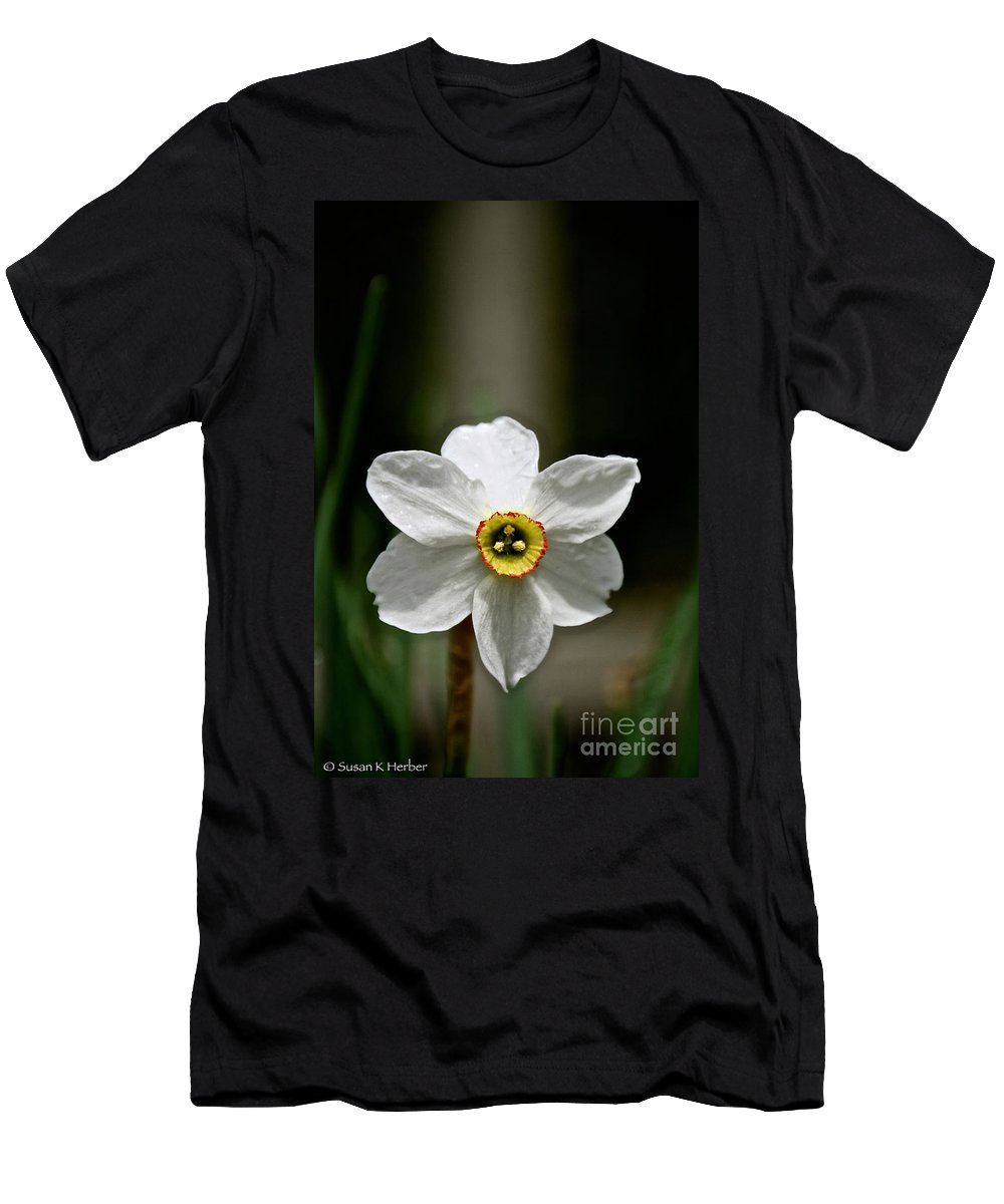 Flower Men's T-Shirt (Athletic Fit) featuring the photograph Red Rim by Susan Herber
