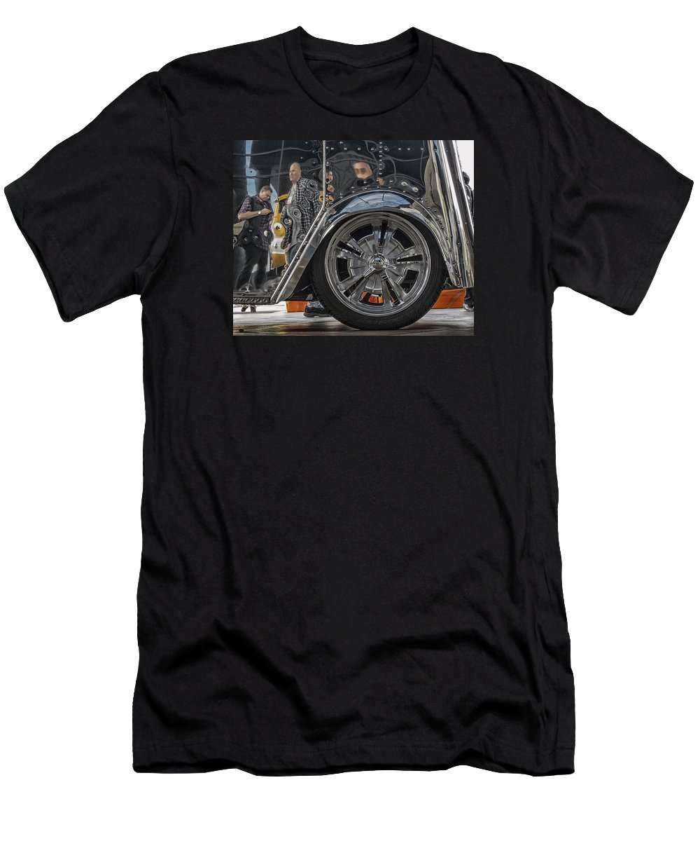 Sema 2013 Men's T-Shirt (Athletic Fit) featuring the photograph Reflections In An Ice Cream Truck by Gary Warnimont