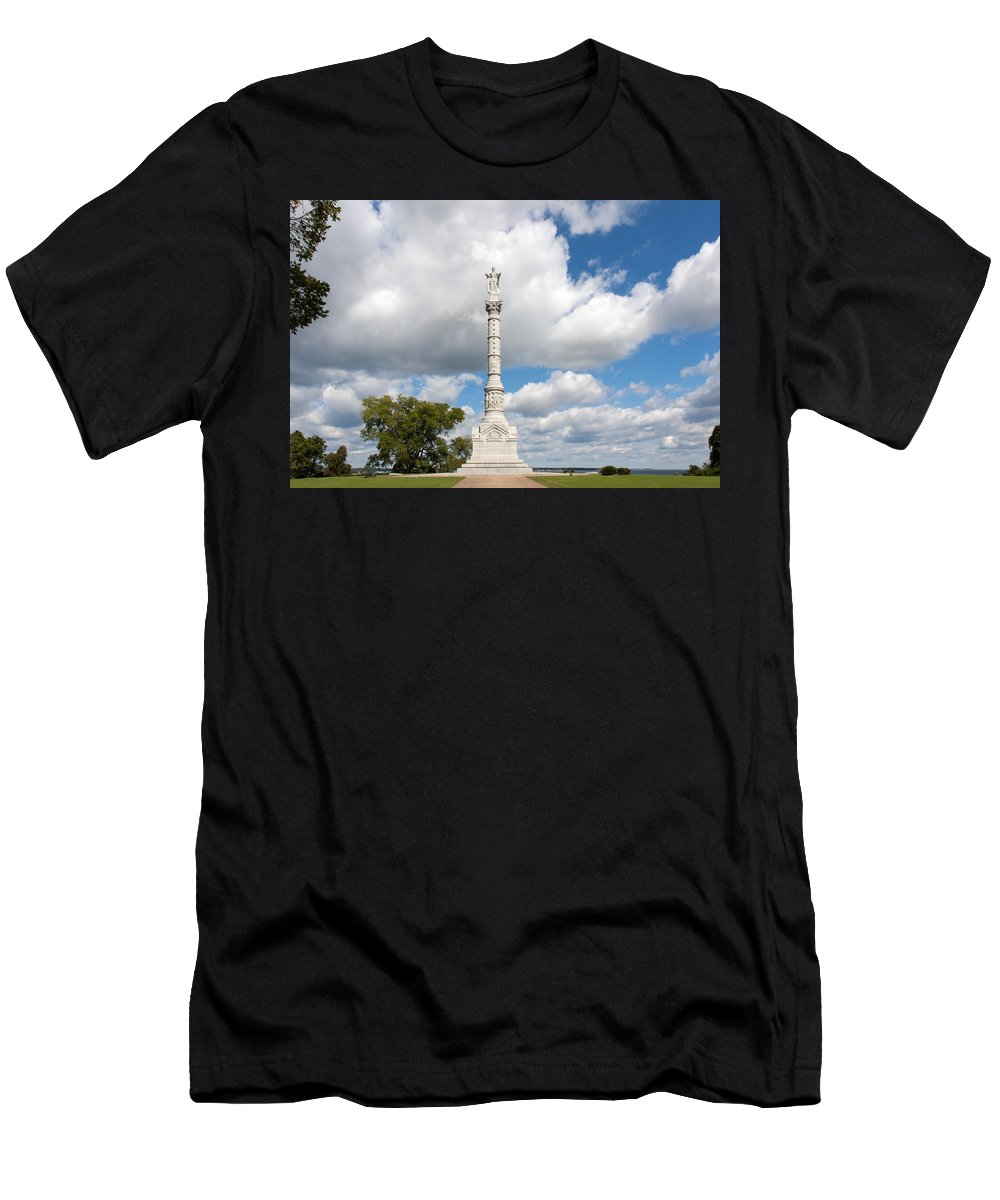 Architecture Men's T-Shirt (Athletic Fit) featuring the photograph Revolutionary War Monument At Yorktown by John M Bailey