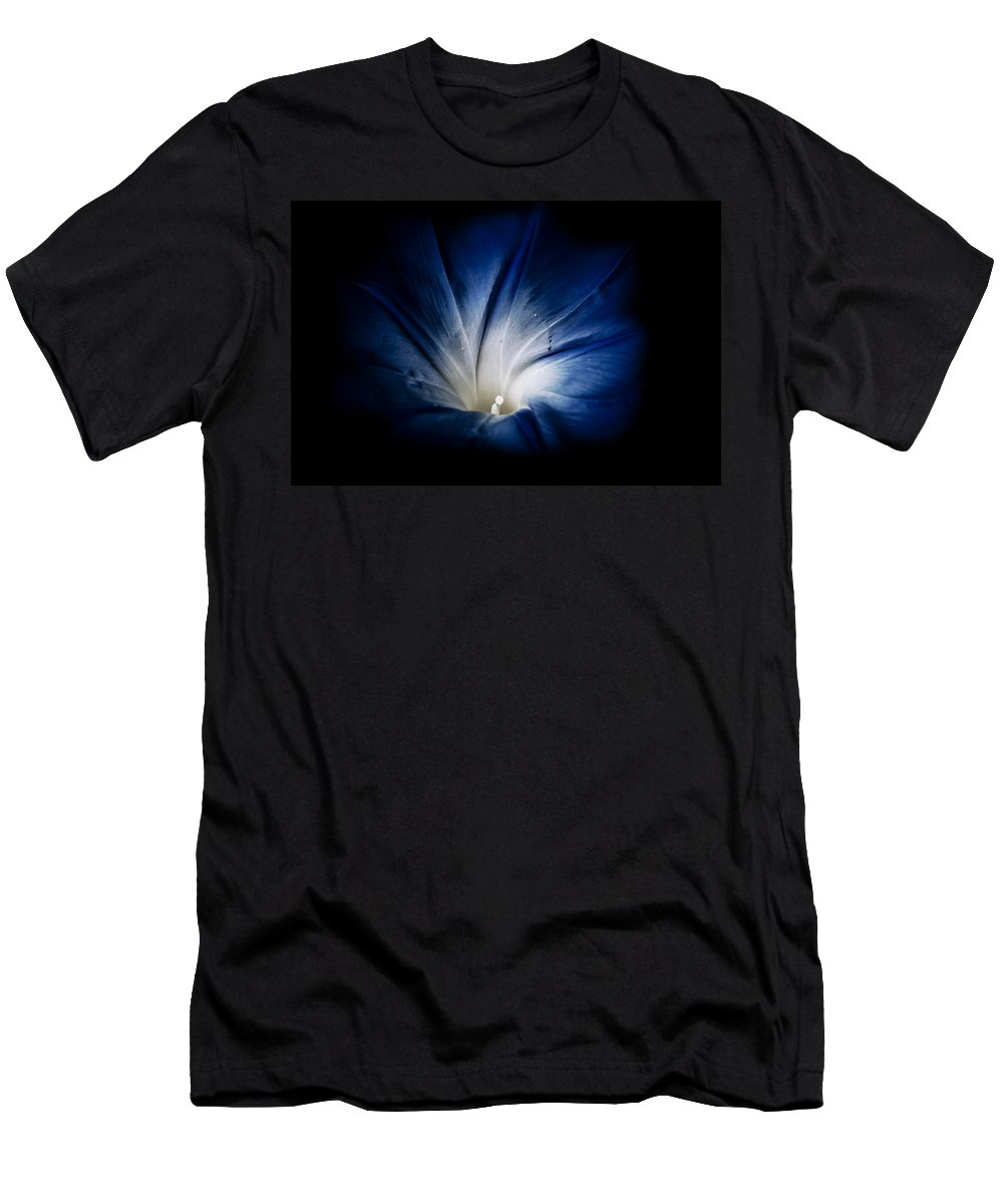 Blumwurks Men's T-Shirt (Athletic Fit) featuring the photograph Rise And Shine by Matthew Blum