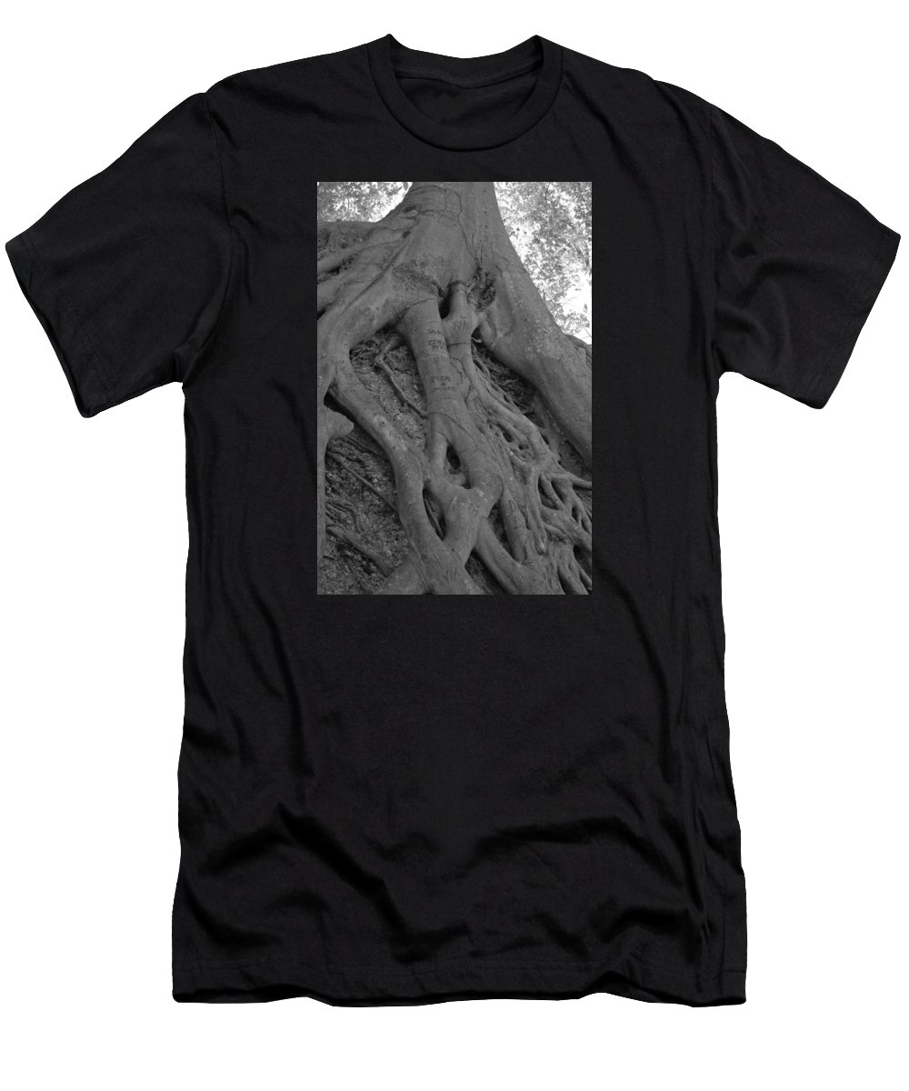 Tree Men's T-Shirt (Athletic Fit) featuring the photograph Roots II by Suzanne Gaff