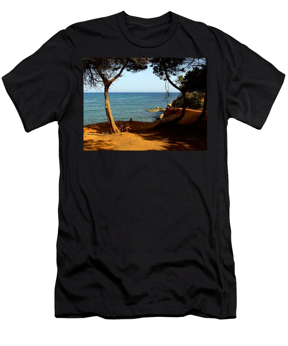 Trees Men's T-Shirt (Athletic Fit) featuring the photograph Sailing In Solitude by Steve Kearns