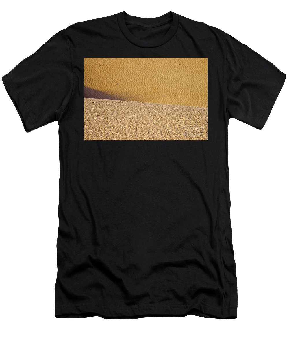 Monahans Sand Dunes State Park Texas Parks Desert Deserts Color Dune Desertscape Desertscapes Landscape Landscapes Nature Texture Textures Men's T-Shirt (Athletic Fit) featuring the photograph Sand Layers by Bob Phillips