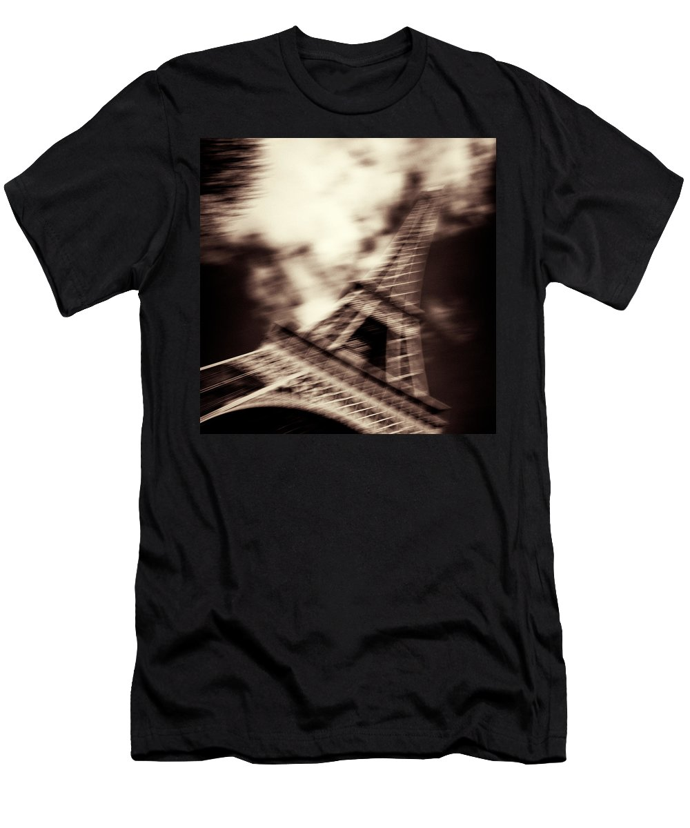 Eiffel Tower Men's T-Shirt (Athletic Fit) featuring the photograph Shades Of Paris by Dave Bowman