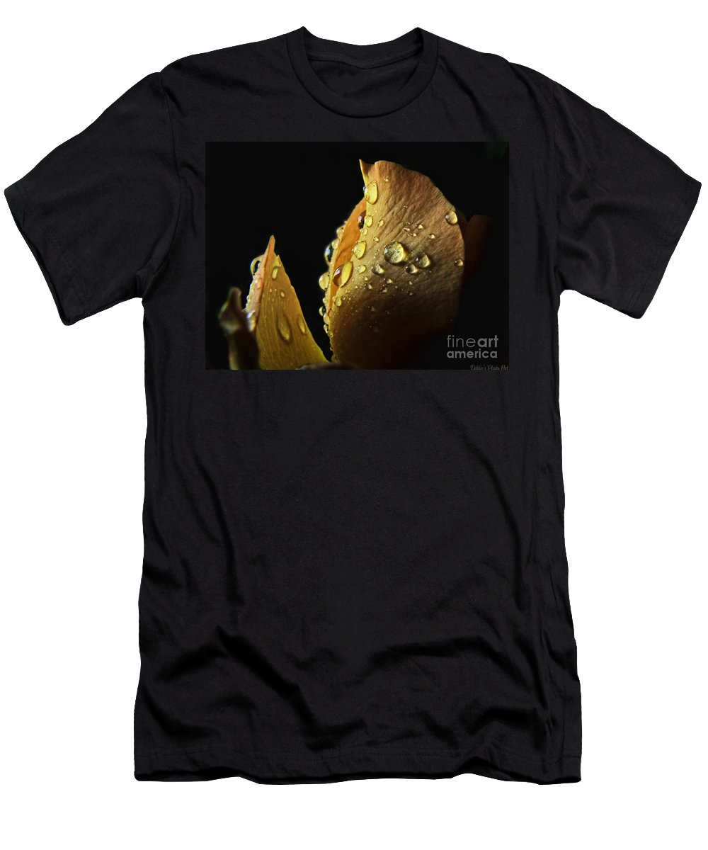 Flower Men's T-Shirt (Athletic Fit) featuring the photograph Shaft Of Light by Debbie Portwood