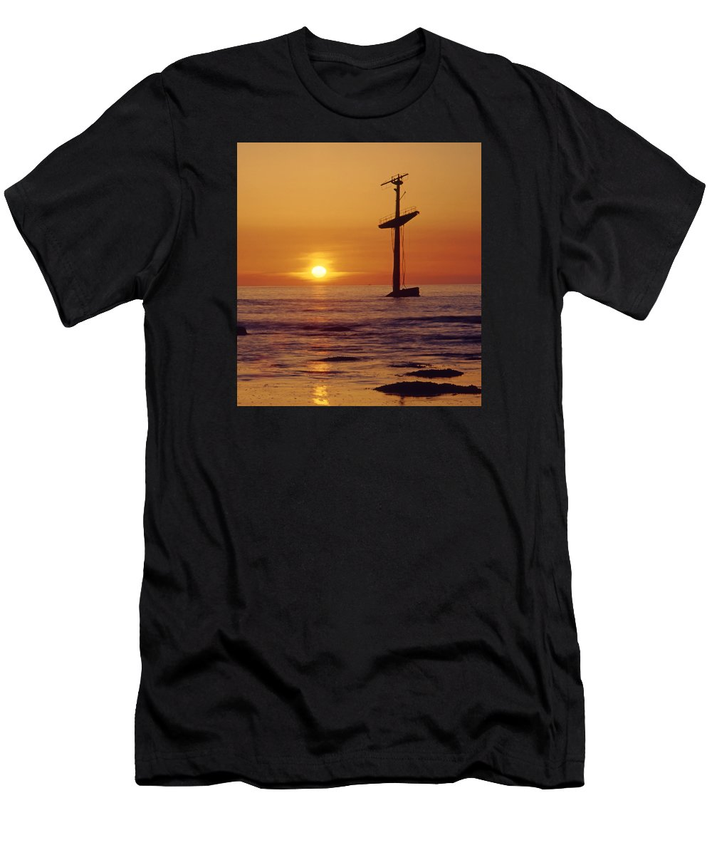 Shipwreck Men's T-Shirt (Athletic Fit) featuring the photograph 1a4145-a1-e-shipwreck In The Bay by Ed Cooper Photography