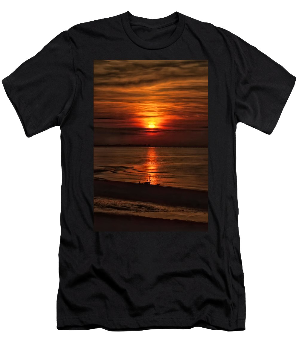 Recent Men's T-Shirt (Athletic Fit) featuring the photograph Silouhette In Sunset by Geraldine Scull