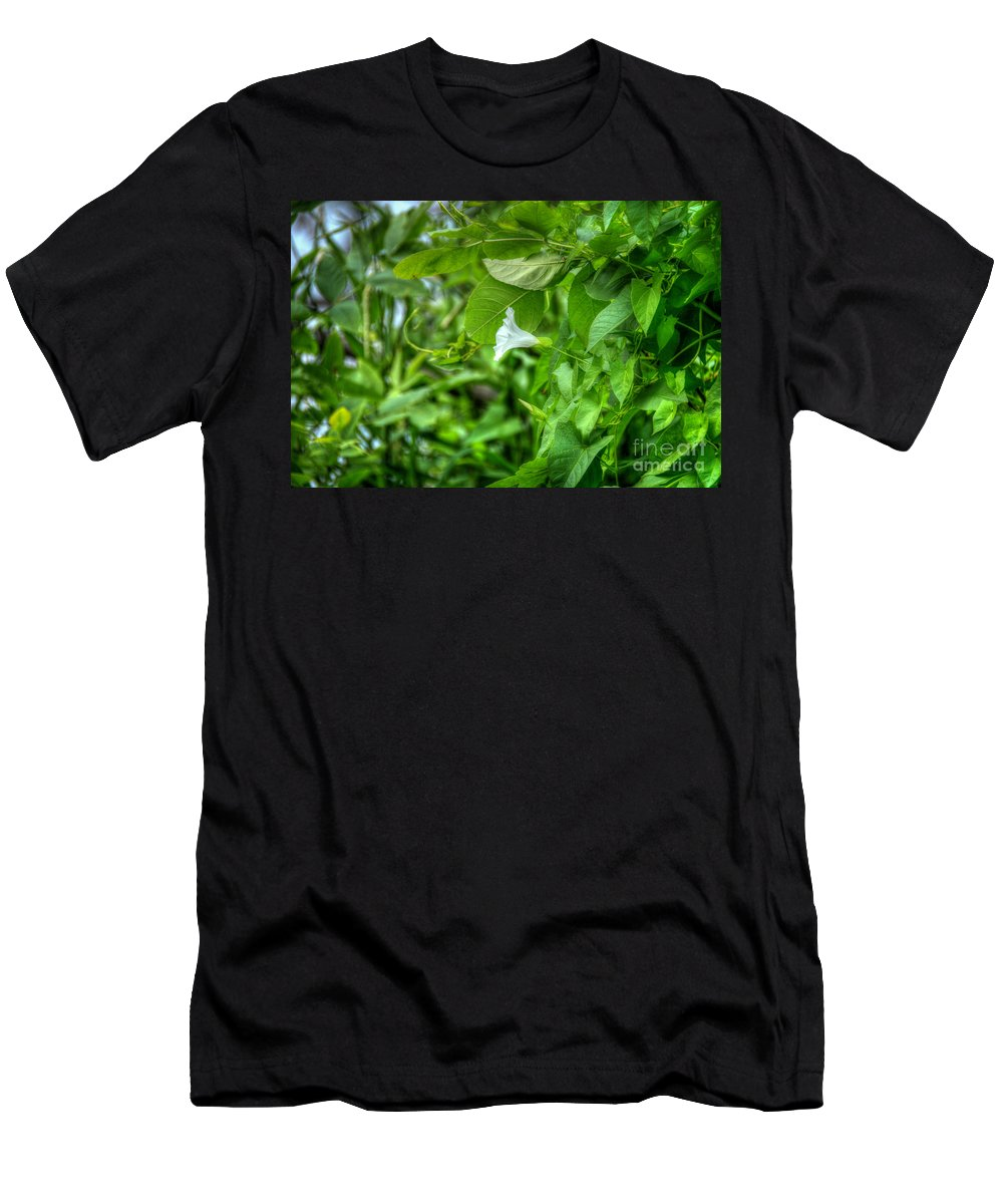 Flower Men's T-Shirt (Athletic Fit) featuring the photograph Single Trumpet by M Dale