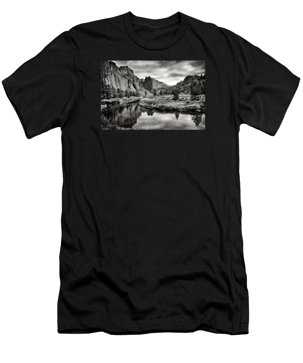 Smith Rock Men's T-Shirt (Athletic Fit) featuring the photograph Smith Rock State Park 2 by Robert Woodward