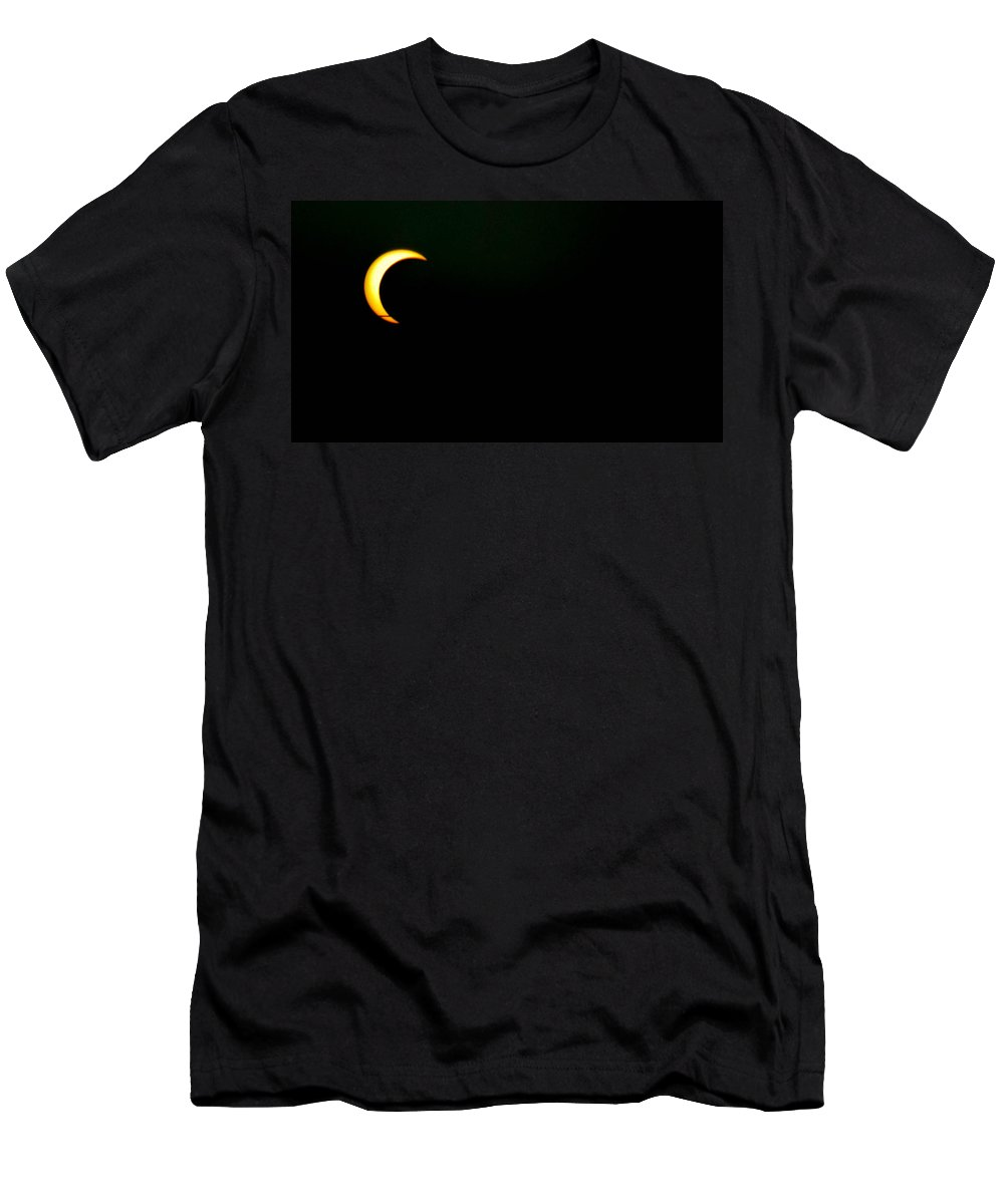 Solar Eclipse Men's T-Shirt (Athletic Fit) featuring the photograph Solar Eclipse 2012 by Angela J Wright