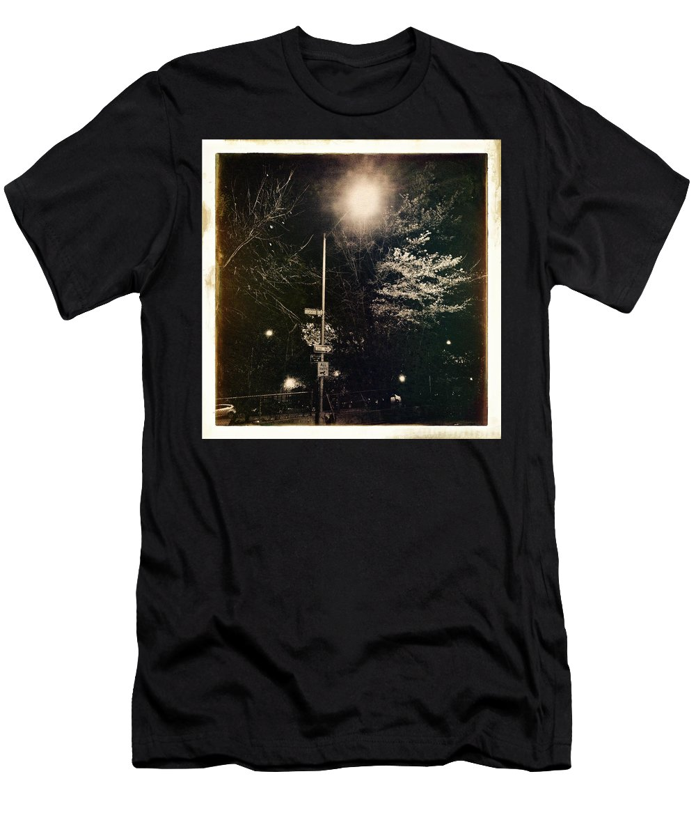 Antique Men's T-Shirt (Athletic Fit) featuring the photograph Street Light by H James Hoff
