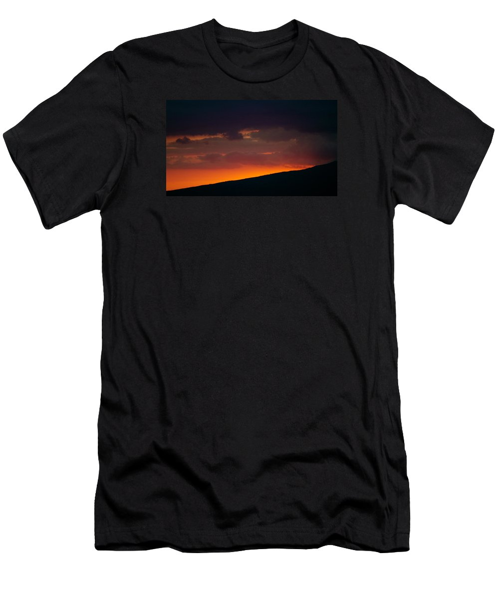 Sunset Men's T-Shirt (Athletic Fit) featuring the photograph Sunset Beyond The Waianae Mountain Range by Lehua Pekelo-Stearns